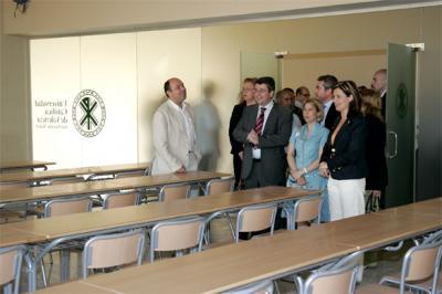 20070522122657-20070522-243-46-el-establecimiento-de-la-universidad-catolica-en-alzira-ya-es-casi-un-hecho.-f.jpg