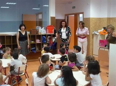 20080908213418-20080908-1720-521-la-alcaldesa-asiste-al-primer-dia-escolar-del-curso-2008-09-f.jpg