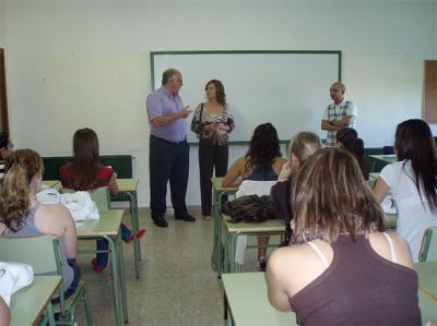 20080916114906-20080916-1737-529-institutos-en-su-primer-dia-de-curso-f1-web.jpg