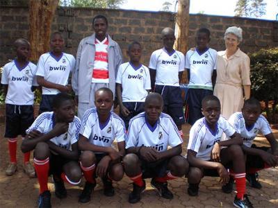 20090116231600-20090116-2230-651-misionera-visita-el-colegio-la-purisima-f1.jpg