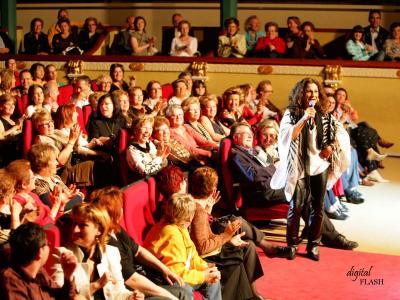 FOTOGRAFÍAS DEL CONCIERTO QUE LOLITA OFRECIÓ EL PASADO SÁBADO 5 DE MAYO DE 2007 EN EL GRAN TEATRO DE ALZIRA