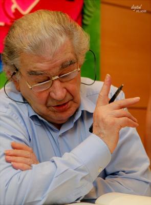 "ANTONIO GAMONEDA, ÚLTIMO ""PREMIO CERVANTES DE LITERATURA"", VISITÓ ALZIRA"