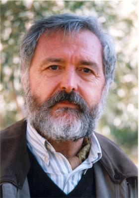 PERSONAJES ALZIREÑOS DE AYER Y HOY (6). BERNARDO MONTAGUD SE JUBILA TRAS TREINTA Y SEIS AÑOS DE DOCENCIA