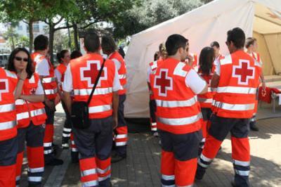 VOLUNTARIOS DE LA CRUZ ROJA DE ALZIRA PRESTAN SU COLABORACIÓN EN LOS INCENDIOS DE CASTELLÓN