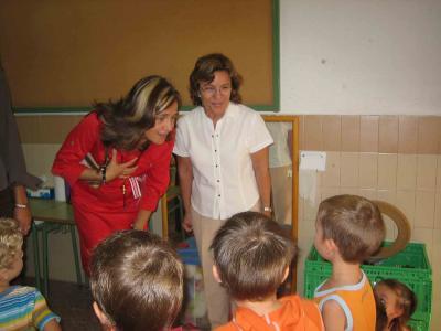 LA ALCALDESA DE ALZIRA Y LA CONCEJALA DE EDUCACIÓN HAN ASISTIDO AL INICIO DEL CURSO ESCOLAR EN VARIOS CENTROS EDUCATIVOS DE NUESTRA CIUDAD