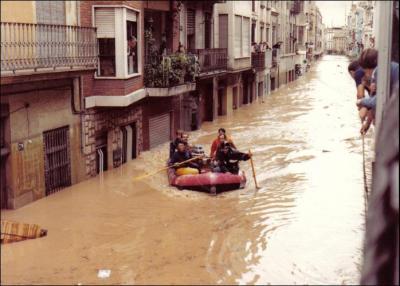 ALZIRA Y SU PASADO (3) __ UN RECORD PER A AQUELLA PANTANADA DE TOUS 25 ANYS DESPRÉS