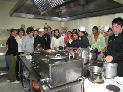 FOTOS PARA EL RECUERDO (3) ___ ALUMNOS DE UN TALLER DE COCINA EN ALZIRA