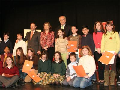 MIL ESCOLARES DE ALZIRA SE PREPARAN PARA DECIDIR Y PARTICIPAR EN ASUNTOS PÚBLICOS