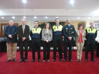 TOMAN POSESIÓN DOS NUEVOS OFICIALES DE LA POLICÍA LOCAL DE ALZIRA