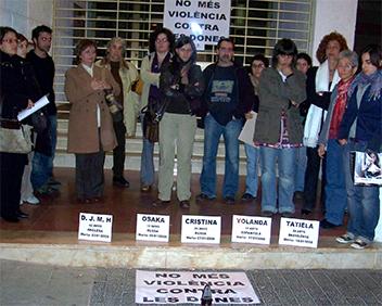 MANIFESTACIÓ A ALZIRA CONTRA LA VIOLÈNCIA MASCLISTA