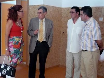 ALEJANDRO BAÑARES VISITA EL INSTITUTO DE TULELL Y EL COLEGIO NÚMERO 9 DE ALZIRA