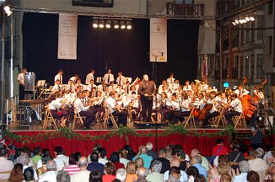 ACTUACIÓN DE LA SOCIETAT MUSICAL D'ALZIRA EN ARANDA DE DUERO