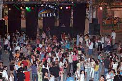 LOS JÓVENES DE ALZIRA ASISTEN UN 10% MENOS A LAS DISCOTECAS DESDE 2004