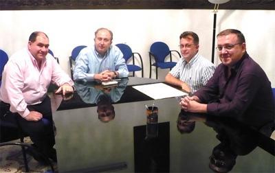 EL CONCEJAL DE AGRICULTURA DEL AYUNTAMIENTO DE ALZIRA SE REÚNE CON FOURRAT PARA HABLAR DEL PAGO ÚNICO