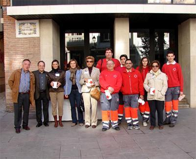 CRUZ ROJA RECAUDA 3856 EUROS EN LA FIESTA DE LA BANDERITA DE ALZIRA