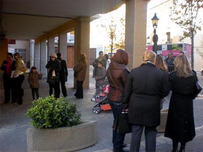 PRESENTAN 150 SOLICITUDES DE TRABAJO EN 24 HORAS PARA EL CENTRO COMERCIAL VILELLA DE ALZIRA