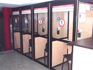 LA OMIC INSPECCIONA LOS LOCUTORIOS TELEFÓNICOS Y LAS OFICINAS DE ENVÍO DE DINERO EN ALZIRA