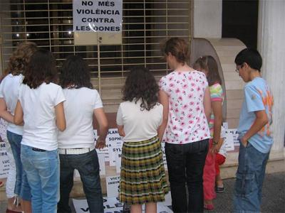 CONCENTRACIÓ A ALZIRA CONTRA LA VIOLÈNCIA MASCLISTA