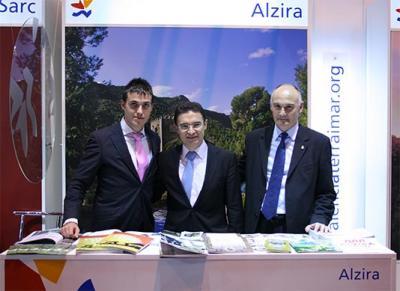 EL STAND DE ALZIRA SIGUE RECIBIENDO VISITAS EN FITUR 2009