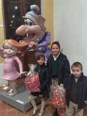 LA  FALLA PLAZA DEL HORNO DE ALZIRA ES UNA CUNA DE ARTISTAS