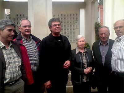 LOS SOCIALISTAS HAN HOMENAJEADO, EN EL CEMENTERIO DE  ALZIRA, A LOS COMPAÑEROS QUE DIERON SU VIDA POR LA LIBERTAD